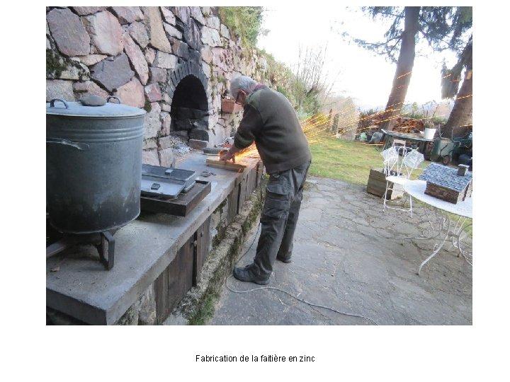 Fabrication de la faitière en zinc