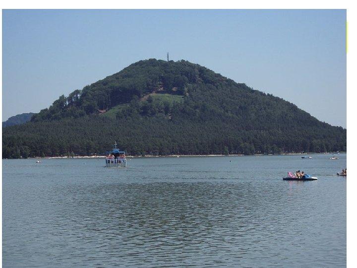 Máchovo jezero • • • Máchovo jezero též zvané Velký rybník nebo Velký Dokeský