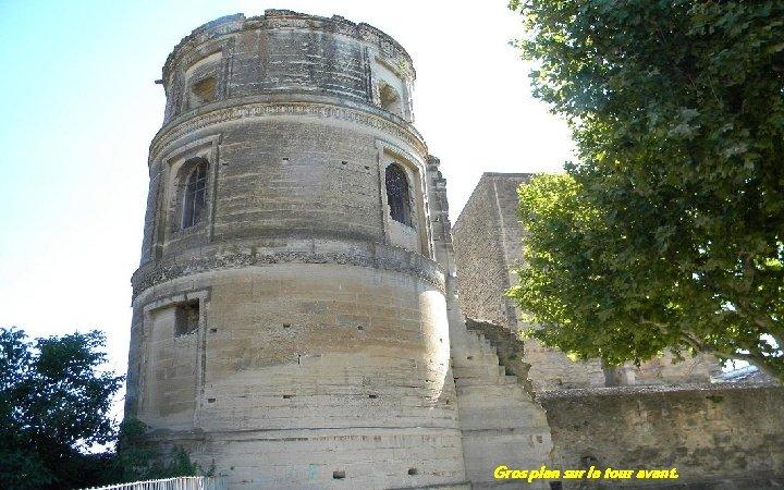 Gros plan sur la tour avant.