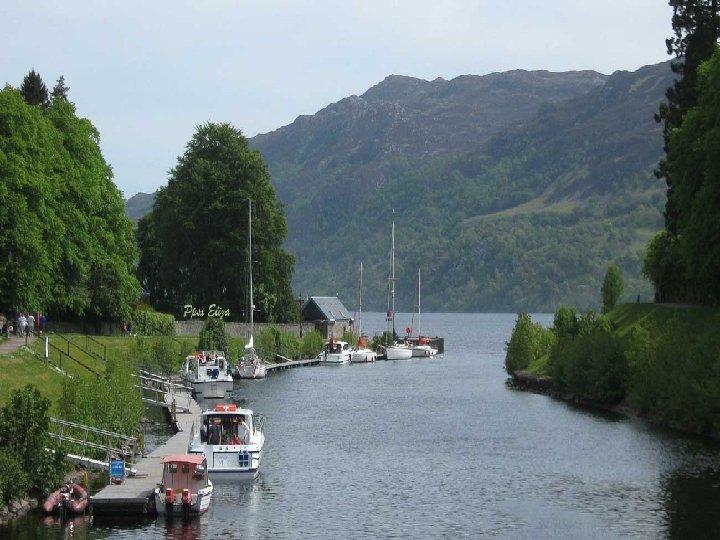 Pasamos por el Caledonian, que es una vía navegable que conecta la costa oriental