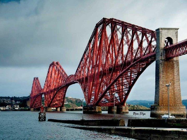 Salimos de Edimburgo muy temprano hacia las Tierras Altas cruzando el puente sobre el