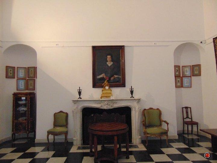 Dans la Salle Française, qui était autrefois le salon de Martha Bibescu, on peut