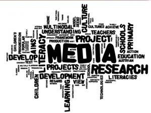 MEDIA Kata media berasal dari kata latin middle
